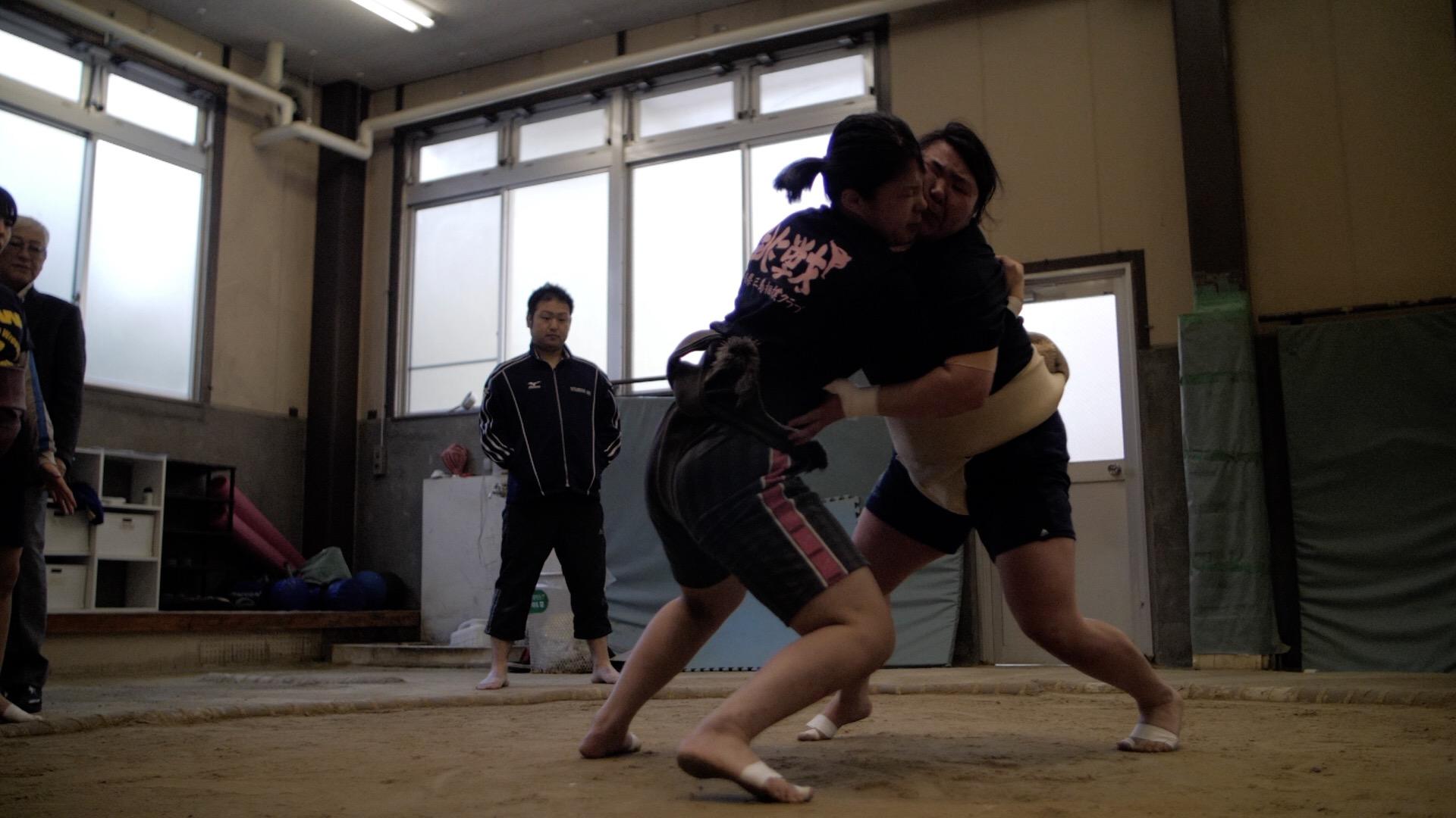 Hiyori vs. Miku 3